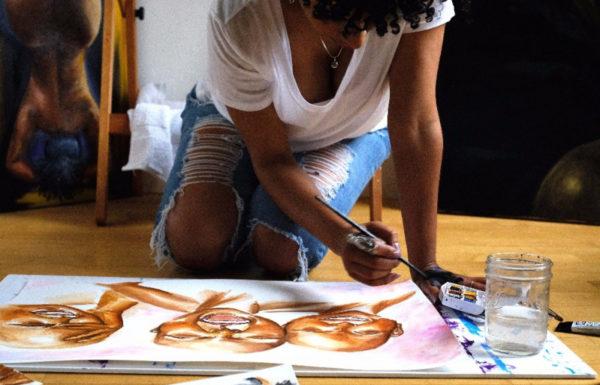 jeune femme qui peint
