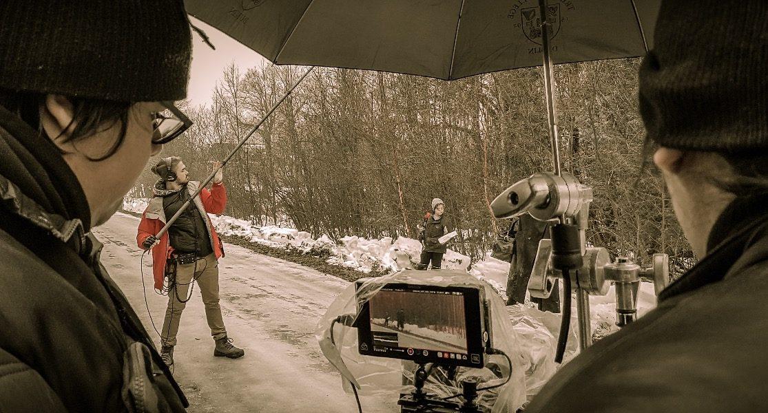 journalistes en train de filmer