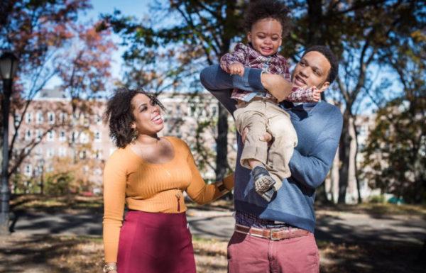 père et mère avec leur fils